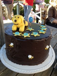 Spot Dog 1st birthday cake with buzzy bees