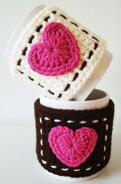 Inspiration- Crochet Projects heart mug cozy. Super cute but what is the point? Moreheart mug cozy. Super cute but what is the point? Crochet Diy, Diy Crochet Patterns, Crochet Coffee Cozy, Crochet Home, Love Crochet, Crochet Gifts, Crochet Projects, Crochet Symbols, Crochet Hearts