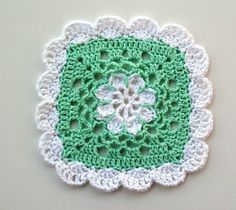 "Free pattern for ""Pretty Scallops Dishcloth""!"
