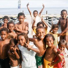 mantap nih!!     diambil sama #papuaphotographers : @crush_poundsend Lokasi : rajaampat    kesini asyiknya rame rame... ayo mention temen/saudara/sahabat/pasangan yang juga #pengenkerajaampat   #rajaampat #rajaampatisland #rajaampattrip #indonesiaphotographers #rajaampatislands #pengentraveling #pengenkelilingindonesia #pengenkelilingdunia  #explorerajaampat