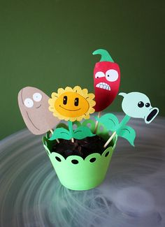 Plants Vs. Zombies Cupcake toppers!!! I must have these!
