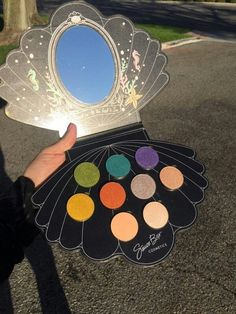 -VEGAN- OUR FIRST PALETTE IN FANTASY SERIES. FEATURING ORIGINAL DESIGN KEEPSAKE PACKAGING MADE FROM RECYCLED MATERIALS REDUCING OCEAN POLLUTION THE PALETTE FEATURES 9 FULL SIZED 4G+ PREMIUM SHADOWS KE