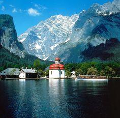 Eine Bootsfahrt auf dem See lohnt sich nicht nur wegen des schönen Ausblicks,...