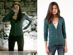 Elena Gilbert (Nina Dobrev) wears this green cinched zip up hoodie in this episode of The Vampire Diaries. It is the BDG Zip Up Cardigan. Sold Out.