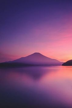 Beautiful colors on this framing of a nice mountain #photography #nature - http://ift.tt/1HQJd81