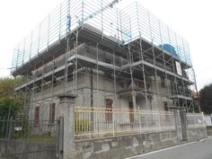 Ammodernamento tecnologico e coibentazione termica di una villa storica a Gallarate (Va).