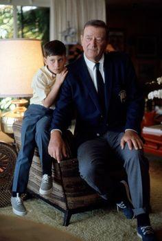 awesome John Wayne at home with son John Ethan. John Wayne my hero John Wayne Quotes, John Wayne Movies, Hollywood Stars, Classic Hollywood, Old Hollywood, Wayne Family, Westerns, Iowa, Star Family