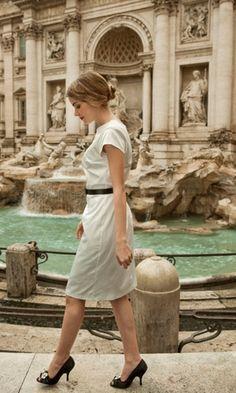 cute dress (plus I just love the Trevi fountain)