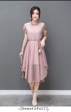Very nice chiffon dress fabric . Stylish Dresses, Simple Dresses, Cute Dresses, Beautiful Dresses, Casual Dresses, Short Dresses, Asian Fashion, Hijab Fashion, Fashion Dresses