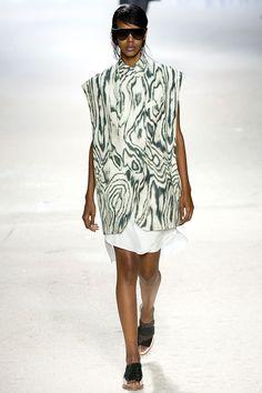 Pasarela: Tornasol, estampado metamorfo, tie-dye y textura 3D... 3.1 Phillip Lim #ss14 #NYFW. http://www.vogue.mx/desfiles/primavera-verano-2014-nueva-york-3-1-phillip-lim/7220