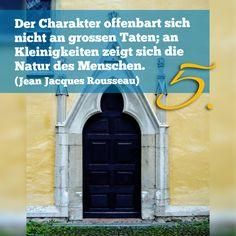 Zitat zum Advent von Jean Jacques Rousseau, Kirchentüre: Münster Bad Mergentheim in Baden-Württemberg