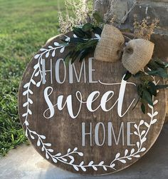 32 Wonderful Rustic Winter Decor Ideas that Still Work after Christmas - The Trending House Wooden Door Signs, Front Door Signs, Diy Wood Signs, Porch Signs, Front Door Decor, Pallet Signs, Custom Door Hangers, Wooden Door Hangers, Wood Crafts
