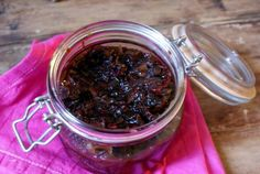 Recipe for caramelised onion and chiili chutney | Ruby Rhino
