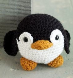 Free Crochet Pattern: Amigurumi Penguin (you do have to register - it's free - at Lion Brand to get the free patterns) ... this little guy is so cute and my daughter likes penguins. #Crochet #Penguin pb†å