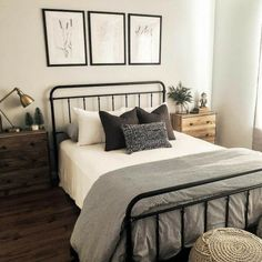 Some people are counting down until Christmas. I'm counting down until the new Hearth and Hand bedding comes to Target 😂 18 days! Room Ideas Bedroom, Bedroom Inspo, Dream Bedroom, Home Bedroom, Master Bedroom, Adult Bedroom Ideas, Target Bedroom, Target Bedding, Bedroom Furniture