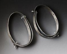 Doppio rivetto orecchini anello di LisaColbyMetalsmith su Etsy
