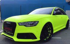Audi RS6 trekt een veiligheidsjasje aan, ziet er knap uit