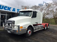 2003 Volvo NH 460 SLEEPER LOOK AT COND AND PRICE ALL ORIGIONAL SEE PICS