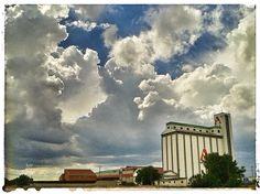 Bell-lloc d'Urgell en Lérida, Cataluña Four Square, Clouds, Outdoor, Outdoors, Outdoor Living, Garden, Cloud