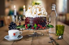 Delicious chocolate Cake with berries served on table. Delicious chocolate Cake with berries… Tasty Chocolate Cake, Gourmet Cooking, Berries, Menu, Pudding, Desserts, Food, Table, Wallpaper