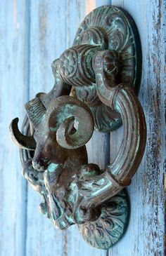 Repinned via H O M E - B A Z A A R  Facebook : https://www.facebook.com/DhomeBAZAAR   Instagram : https://www.instagram.com/home_bazaar/   Ram door knocker