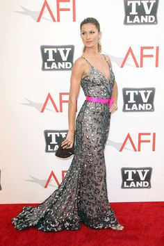 gorgeous Oscar de la Renta dress; beautiful pop of pink