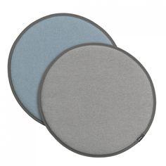 Vitra Seat Dot crème/sierra grijs - lichtgrijs/ijsblauw  SHOP ONLINE: https://www.purelifestyle.be/home-office/decoratie/textiel/kussens/vitra-seat-dot-creme-sierra-grijs-lichtgrijs-ijsblauw.html