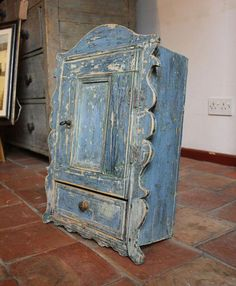 Wall cupboards spice cupboard in Baroque style Lawn Mower Parts Things To Know Before Buying Lawn Mo Rustic Furniture Stores, Antique Furniture For Sale, Pine Furniture, European Furniture, Primitive Furniture, Country Furniture, Furniture Styles, Furniture Online, Furniture Companies