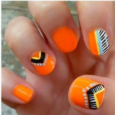 35 Neon orange nail art design