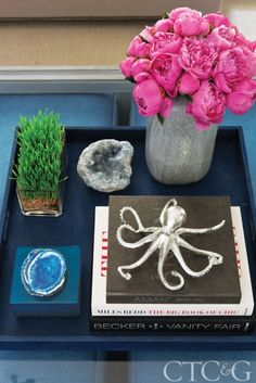 A Trovare Home tray showcases a geode box and silver octopus from the Open House. #CTC&G