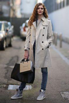 Model Auguste Abeliunaite's gorgeously crimped hair is a '90s girl's dream. -Teen Vogue #MilanFashionWeek