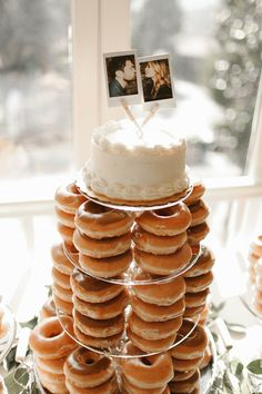 Love Wedding Cakes Polaroid cake topper on donut wedding cake Doughnut Wedding Cake, Wedding Donuts, Krispy Kreme Wedding Cake, Our Wedding, Dream Wedding, Cake Wedding, Army Wedding, Pretty Wedding Cakes, Wedding Bows