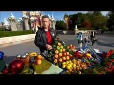 Holiday Decorating Ideas from Disneyland Décor Experts