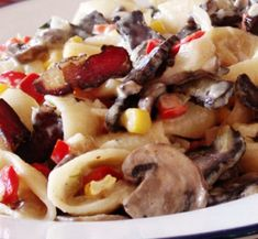 Traditional South african recipe for Biltongpotjie with pasta Ingredients 2 onions 2 cloves of garlic, crushed or chopped 250 gram mushrooms 2 sprigs of thyme 500 grams biltong 1 cup […] Braai Recipes, Oxtail Recipes, Spicy Recipes, Potato Recipes, Cooking Recipes, Yummy Recipes, South African Dishes, South African Recipes, Ethnic Recipes