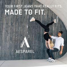 """🤔 Keine Lust mehr auf Standard Jeans, die nicht passen? 🤘🏼 Wir haben was für Dich! Oberschenkel haben Platz - Sportliche Passform - Flexibles Hüftband. Sag """"Hallo"""" zu deiner neuen Lieblingsjeans! Bodybuilder, Athletes, Jeans, Fitness, Logos, Movie Posters, Outfits, Collection, Style"""