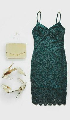 Like the lace and green color