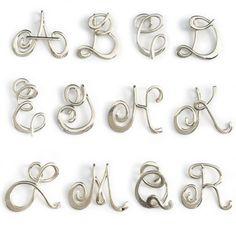 Calligrafia iniziale collana in argento regalo di Laladesignstudio
