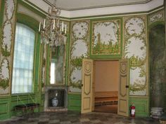 Paint and Style: Cinderellas house...