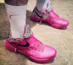 c54d325a84ca Here is a detailed look via  malambert of the Nike Zoom KD IV  Aunt Pearl   Sneaker