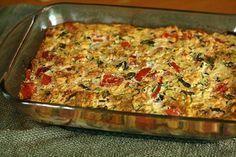 Een lekker koolhydraatarm Hoofdgerecht, ovenschotel met courgette. Dit is een heerlijk vegetarisch gerecht met courgette, cheddar kaas, eieren en broodkruimels.