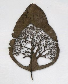 Sculpted tree from a leaf