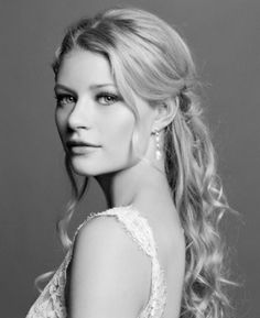 Emilie de Ravin - Emilie Picture Thread Because she's so photogenic! Emilie De Ravin, My Crush, Beautiful Actresses, Character Inspiration, Photoshoot, Celebrities, People, Photography, Beauty