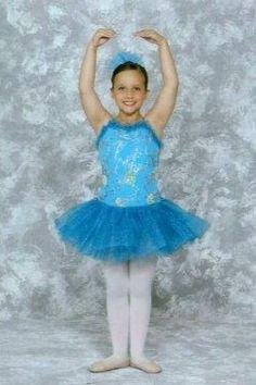 Emily Ballet 2012 Kids Sports, Harajuku, Cinderella, Disney Characters, Fictional Characters, Ballet, Disney Princess, Style, Fashion
