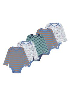These patterned bodysuits are an unbeatable choice for your little one. Designed with an envelope neckline and snap buttons, they are a great choice for everyday wear. Boys grey bear hunt bodysuits Pack of 5 Short sleeves Envelope neckline Snap button fastening Keep away from fire