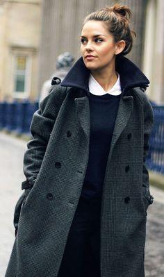 White collar & Classic Checked coat.