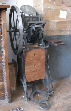 Golding Pearl #1 Printing Press, Letterpress, Restoration, Internet, Pearls, Prints, Book Binding, Vintage Posters, Impressionism