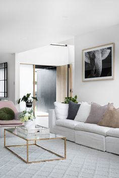 Front door and exterior vertical siding - love Photography Mindi Cooke / Styling Kylie Jackes / Build Graya Construction / Architect Base Architecture / Interior design Kayla Boyd Room Rugs, Rugs In Living Room, Cozy Living, Ideas Decoracion Salon, Greenhouse Interiors, Interior Design Magazine, Country Furniture, Shop Interiors, Do It Yourself Home