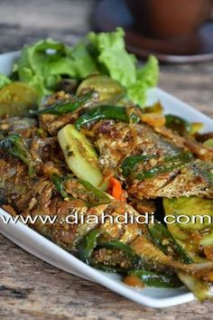 Diah Didi's Kitchen: Recipes ✨ for more like this 🌸 Fish Recipes, Seafood Recipes, Asian Recipes, Ethnic Recipes, Recipies, Malaysian Cuisine, Malaysian Food, Fish Dishes, Seafood Dishes