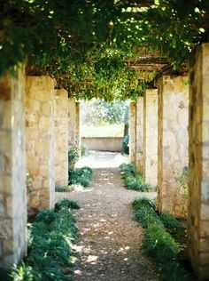 Does this look like the wedding venue of your dreams?