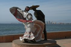 Folklorico Sculpture on the Malecon, Puerta Vallarta, Mexico    This is lovely worth taking a trip.